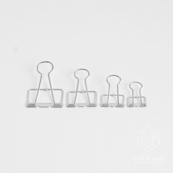 Stanzteile aus silbernem Spiegelkarton | Ausgestanzt mit den watt&wald Stanzen für Wire-Clips | für Karten und Scrapbooklayouts
