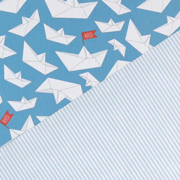 gemustertes, grafisches Geschenkpapier von My Pretty Circus   beidseitig bedruckt   Papierschiffchen Ahoi blau