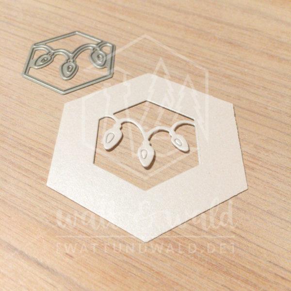 Original Cutting Dies von watt&wald zum Ausstanzen aus Papier. Lichterkette im Hexagon - Kombinierbar mit 4 verschiedenen Rahmen.