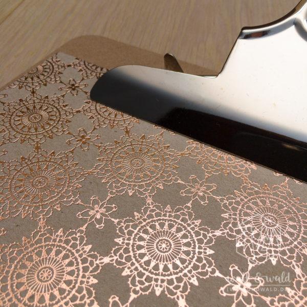 Heyda Naturkarton Ornament mit Heißfolienveredelung | roségold | 220 g/m² | Detailansicht