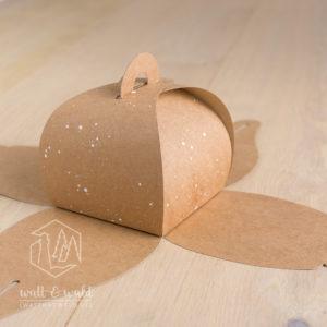 Dekorative große Geschenkbox aus braunem Kraft-Karton | für Gastgeschenke, Mitbringsel und kleine Geschenke