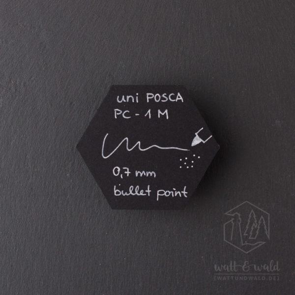 Schriftprobe auf schwarzem Karton | uni Posca PC-1MC weiß